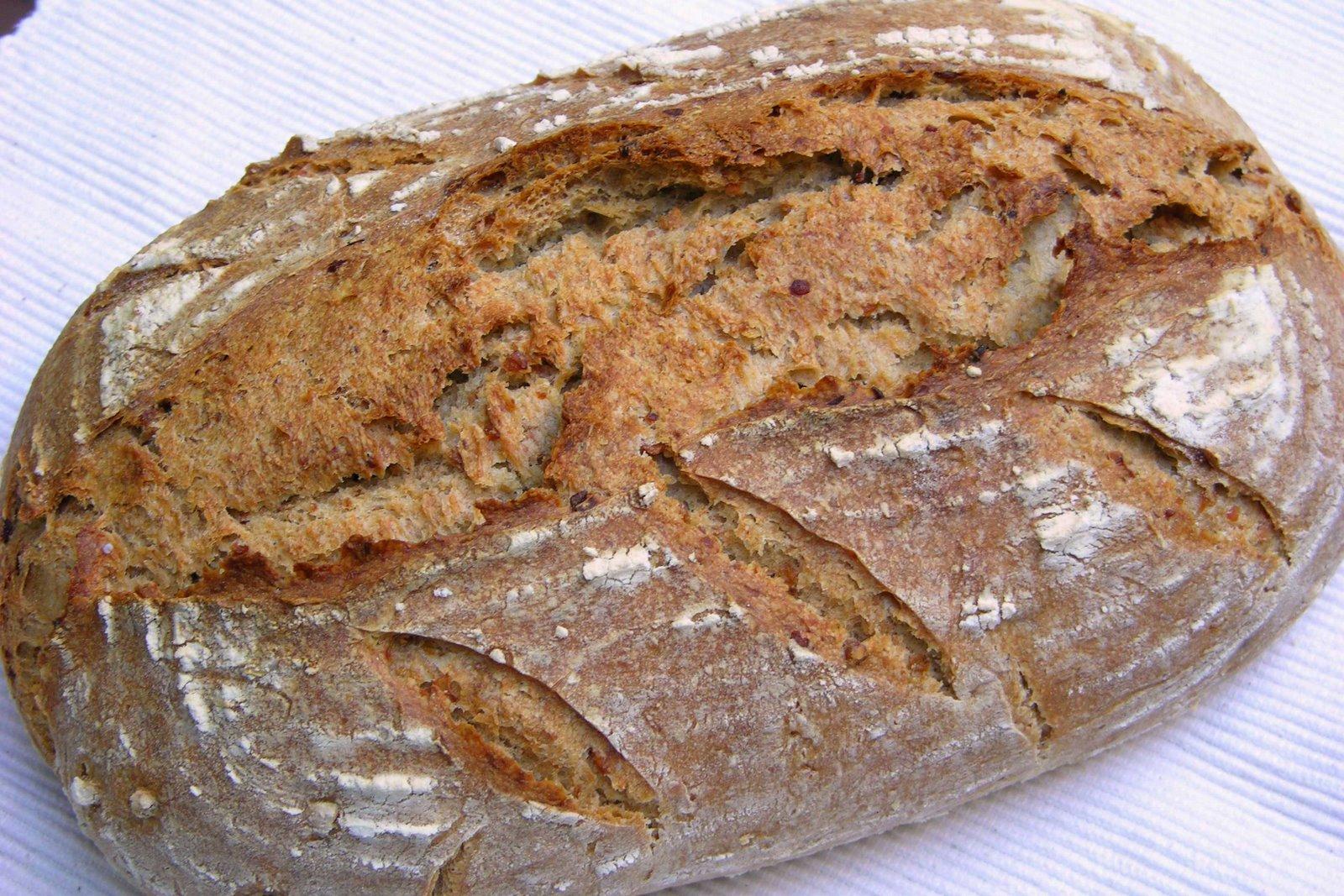 Pan de centeno blanco y trigo con granos de trigo for Cocinar trigo